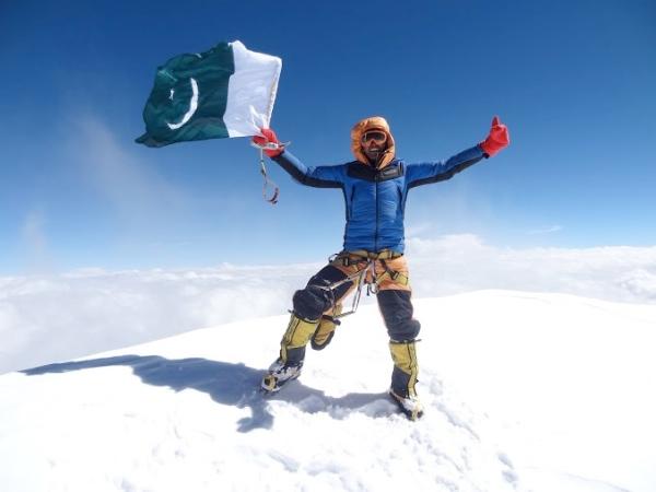 K2. Ali Durani vola sulla cima del K2. Foto: Tamara Lunger -  EVK2CNR