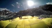 volo in tuta alare di Vince Reffet sulle Alpi francesi. Fonte: www.youtube.com