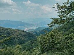 Carenno. Colle di sogno. Veduta della vallata verso Lecco. Fonte: it.wikipedia.org