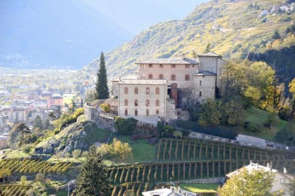 Castel Masegra. Foto archivio Guide Alpine Lombardia