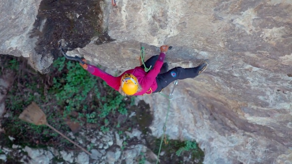 "Angelika Rainer, first ascent ""KamaSutra"", 2014 - fonte: vimeo.com"