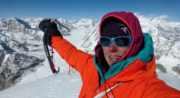 Ines Paper, first ascent Likhu Chuli. Foto: Ines Papert, fonte: www.inespapert.de