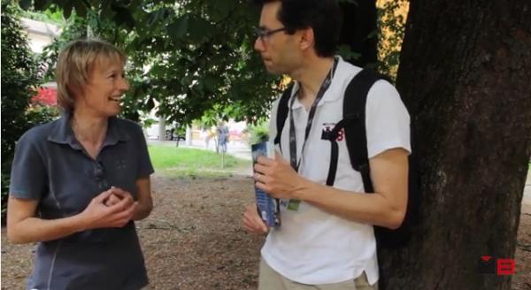 Nives Meroi con Andrea Bianchi nel corso dell'intervista. TFF 2015. Fonte: www.youtube.com