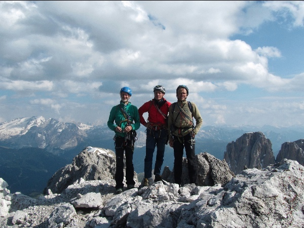 Sassolungo, via Manuel Moroder. Da sinistra: Heinz Grill, Ivo Rabanser, Franz Heiss. Fonte: Val Gardena