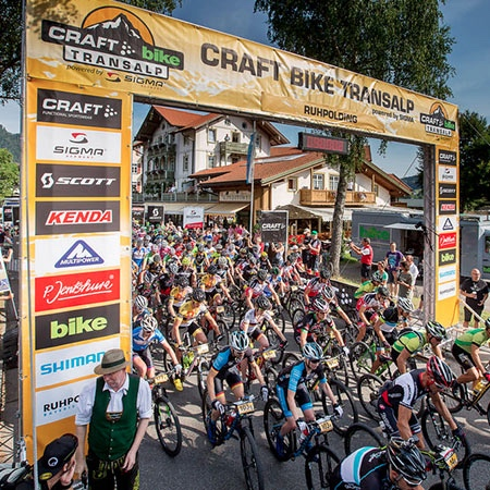 Bike Transalp 2015. Partenza a Ruhpolding. Fonte: press gara