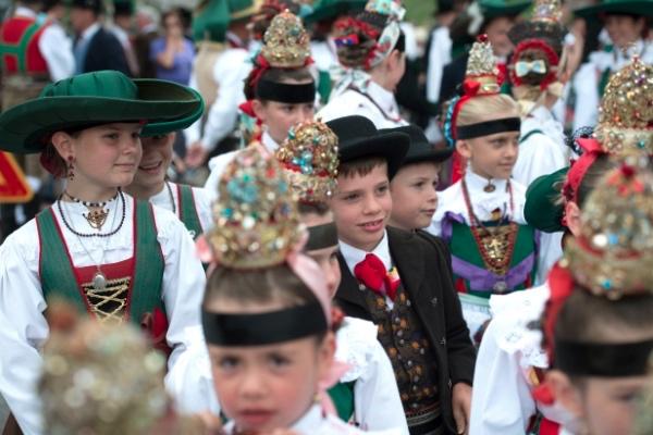 Val Gardena in costume, bambini