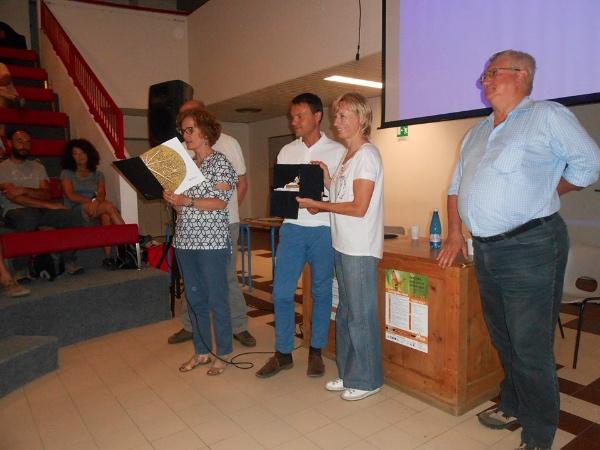 """Nives Meroi ritira il premio """"Pigna d'Oro 2015"""" a Valdisotto. Fonte: pagina facebook Visit Valdisoto"""