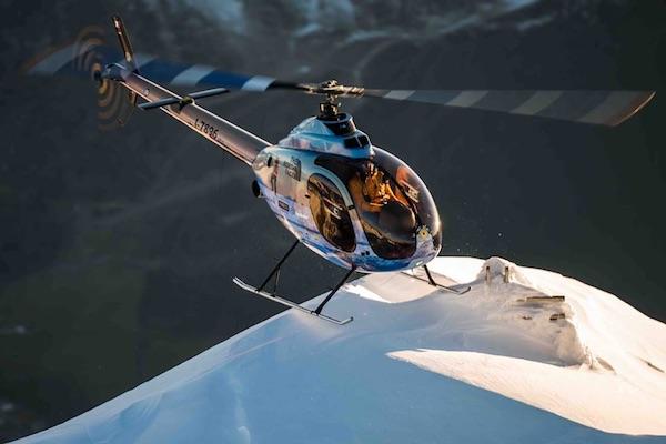 Simone Moro: record del mondo di volo in alta quota con elicottero biposto. Fonte: pagina facebook Moro