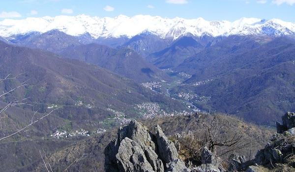 Valli di Lanzo dalla Punta Lunelle. Foto: F. Ceragioli. Fonte: it.wikipedia.org
