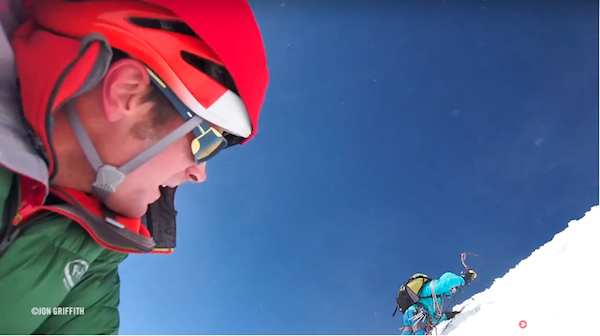 Frame da The Top Three Alpine Climbs of 2015. Fonte: EpicTv