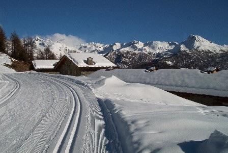 pista Grandes Montagnes: vista della catena spartiacque con la Val d'Ayas, dal Grand Tournalin (sx) al Tantanè (dx). Fonte: alpioccidentali.it