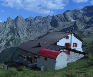 Rifugio Alpino Omio, Val Masino. Fonte: caisem.org