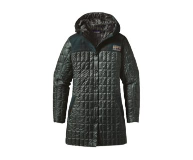 patagonia-womens-recycled-down-hooded-coat