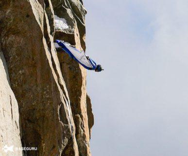 Volo in tuta alare dal Mount Aiguille du Midi. Fonte: pagina facebook Ratmir Nagimyanov