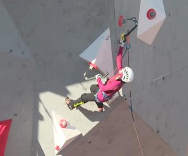 Ice Climbing World Cup 2017, Beijing: Maria Tolokonina, oro nella Lead. Fonte: www.youtube.com