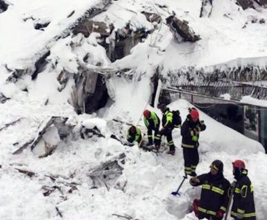 614px511-hotel-rigopiano-i-soccorritori-fonte-ANSA-EPA