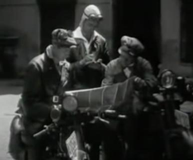"""Frame dal documentario """"In motocicletta sulle Dolomiti"""""""