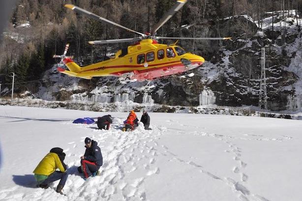 Gressoney-Saint-Jean: i soccorsi in prossimità della cascata. Fonte: ansa.it