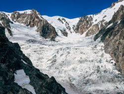 Due fiamme sul ghiacciaio - Simone Enei