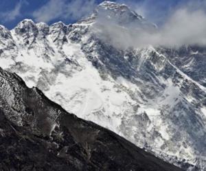 l'everest è la montagna più alta del mondo, ma quanto è alta? guarda